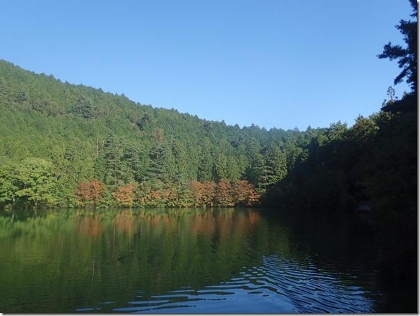 伊奈ヶ湖紅葉1021