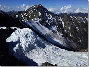 中白峰付近から北岳