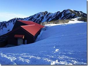 山荘残雪状況2